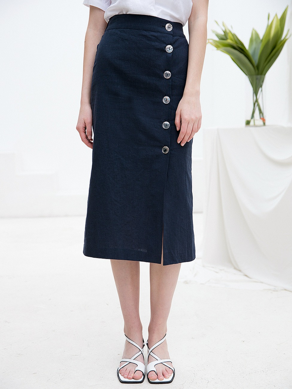 Linen Shell Button Skirt Navy